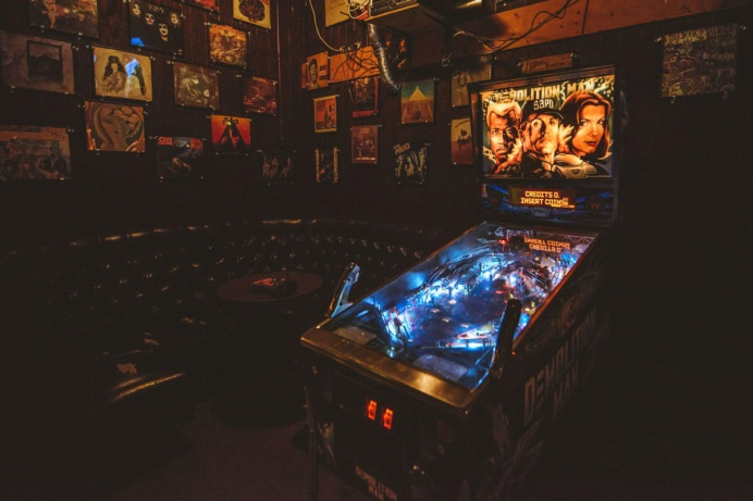 Dive Bar Pinball Machine